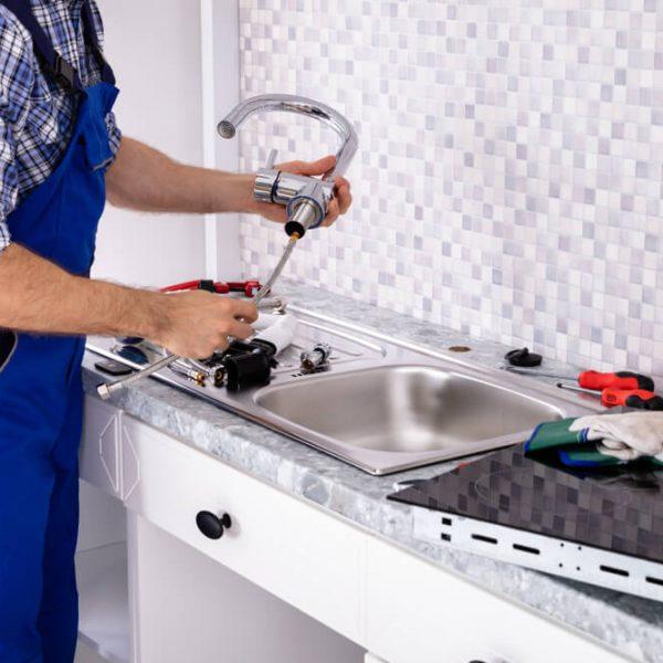 Montáž umývadla na stenu alebo dosku Riešim vodu