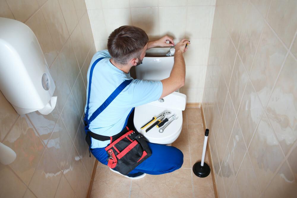 Montáž stojaceho WC Riešim vodu