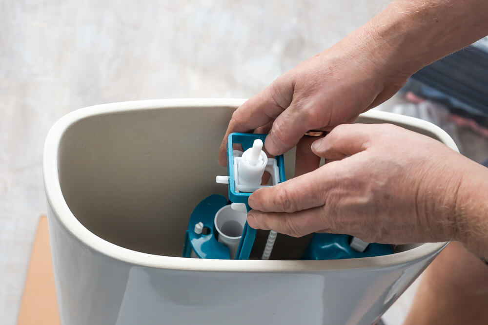 Splachovač WC oprava Bratislava Riešim vodu